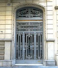 Metalwork door, Barcelona (Spencer Means) Tags: architecture door doorway arch iron ironwork metal metalwork dwwg dreta eixample modernisme modernista barcelona catalunya catalonia spain