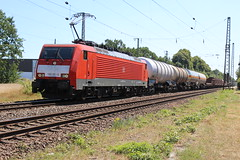 DB Cargo 189 051 te Empel-Rees 30 juni 2018 (Remco van den Bosch 72) Tags: dbcargo dbc siemens eisenbahn electrischelocomotief eloc elok railway rails railroad railwaystation trein train transport treinspotten trainspotting track station spoor spoorwegen duitsland freighttrain goederentrein güterzug goederenwagon germany bahn bahnhof locomotief locomotive empelrees unitcargo 189051