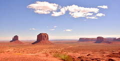 Monument Valley (M McBey) Tags: monumentvalley landscape red clouds buttes barren