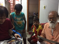 Kolkata - Subhas Sarovar  * (Sterneck) Tags: subhassarovar slum politics kolkata vision calcutta kalkutta politik slums india subhas sarovar ragpickers kinder armut indien teilen share children hope creative community m social activists realitiy change
