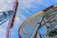 Look to the sky (gori-jp) Tags: lookup sky ferriswheel rollercoaster steelframe prop amusementpark amusement yokohama minatomirai cosmoworld