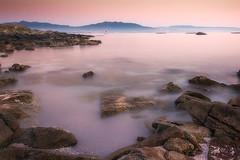 Atardeciendo en Areamilla (kiko_-46-) Tags: paisajescosteros paisajes efectos puestasdesol largaexposicion cangas pontevedra españa playas
