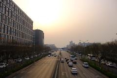 XE3F1485 - Chaoyangmen Inner St, Beijing (Enrique R G) Tags: calle street chaoyangmen inner st chaoyangmeninnerst pekín beijing china fujixe3 fujinon18135