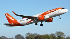 OE-IJA (AnDyMHoLdEn) Tags: easyjet a320 egcc airport manchester manchesterairport 23l