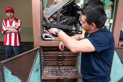 Ciudad de México (pslachevsky) Tags: ciudaddeméxico lanzamiento mexique méxico plazasantodomingo cajastipos imprentas prensistatipográfico