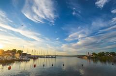 Evening (RdeUppsala) Tags: cielo clouds naturaleza moln natur nature nubes atardecer agua paisaje puerto hav kväll kust himmel hamn harbor baltic báltico mar vatten water östersjön öregrund sverige suecia sweden sunset sky sea solnedgång ricardofeinstein summer sommar uppland