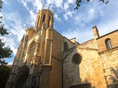 Aix-en-Provenze AP001. (Joanbrebo) Tags: provenze clouds nuages nubes nuvols arquitectura buildings edificis edificios church eglise iglesia esglesia catedral iphone365 iphonex catedraldesaintsaveur france aixenprovenze