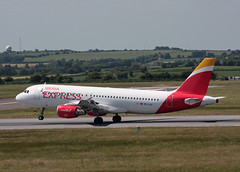 EC-LLE Airbus A320-214 Iberia Express (corkspotter / Paul Daly) Tags: eclle airbus a320214 a320 1119 l2j pqah 344496 ibs iberia express 1999 fwwbo 201309 echdt ork eick cork
