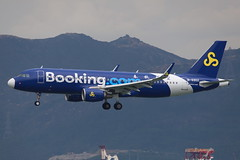 9C A320 B-6902 @ 9C8921 (EddieWongF14) Tags: springairlines airbus airbusa320 airbusa320200 airbusa320214 a320 a320200 a320214 b6902 hkg vhhh hongkonginternationalairport skydeck