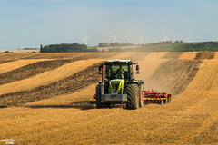 Tillage | CLAAS // VÄDERSTAD (martin_king.photo) Tags: harvest harvest2018 ernte 2018harvestseason summerwork powerfull martin king photo machines strong agricultural greatday great czechrepublic welovefarming agriculturalmachinery farm workday working modernagriculture landwirtschaft martinkingphoto moisson machine machinery field huge big sky agriculture tschechische republik power dynastyphotography lukaskralphotocz day fans work place clouds blue yellow gold golden eos country lens rural camera outdoors outdoor claasteam team posing claas väderstad väderstadtopdown landscape goldenhour fields lines southmoravia wavefield windtower xerion claasxerion