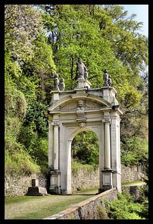 Santuario del Sacro  Monte di Varese.  Terzo Arco detto di Sant'Ambrogio.