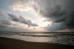 20180409 Khanom sunrise 15 (chromewaves) Tags: fujifilm xt20 samyang 12mm f20 ncs cs khanom thailand beach