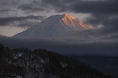 Japan 2018: Mt. Fuji at Sunset (banzainetsurfer) Tags: asia japan japao xapon yamanashi kawaguchiko mountfuji fujisan volcano snow weather clouds winter scenic light beauty beautiful summit 富士山 河口湖 日本