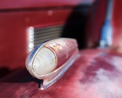 Fender Turn Signal Light on Faded Red at Pavilions Car Show February 2017 (eoscatchlight) Tags: pavilionscarshow scottsdale arizona bokeh faded turnsignallight classiccar sigma24105mmf4dgoshsmart