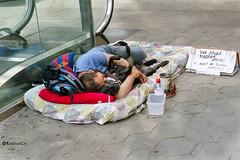 Help !! (rossendgricasas) Tags: help ayuda thankyou gracias people dog injustice street streetphotography cat barcelona catalonia photoshop nikon tamron personas gent