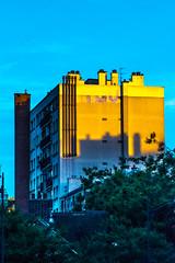 immeublecolorer (YassChaf) Tags: paris city ville urban urbain rue street immeuble building batiment archi