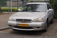 1999 Kia Clarus Wagon (NielsdeWit) Tags: nielsdewit car vehicle 30hvd8 ede kia clarus wagon estate kombi combi stationwagon station