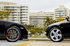 Porsche 911 Carrera & 911 Turbo (Jeferson Felix D.) Tags: porsche 911 carrera 993 porsche911carrera993 porsche911carrera porsche911 porsche993 turbo 997 porsche911turbo997 porsche911turbo porsche997 canon eos 60d canoneos60d 18135mm rio de janeiro riodejaneiro brazil brasil worldcars photography fotografia photo foto camera