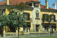 Abrantes (hans pohl) Tags: portugal moyentage abrantes architecture maisons houses fenêtres windows