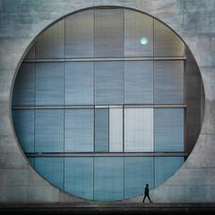 The Theory of Relativity (marionrosengarten) Tags: berlin governmentdistrict street regierungsviertel window fenster man silhouette building architecture lenseflare light walker nikon paullöbehaus nikonzoom