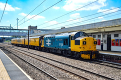 37025 + 9703 - Peterborough - 15/07/18. (TRphotography04) Tags: br large logo highland rail 37025 inverness tmd passes through peterborough with 3z66 385v 1100 ferme park recp derby rtcnetwork network dbso 9703 was rear utu test train taken 1232