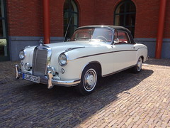 Mercedes-Benz 220 S Cabriolet (Skitmeister) Tags: carspot nederland skitmeister car auto pkw voiture
