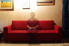 self portrait (Flavio Calcagnini) Tags: self portrait autoritratto flavio calcagnini man uomo divano sofa house home red blue paintings transparent long exposition notte night lunga esposizione photography