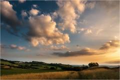 Weg der Wolken (linke64) Tags: thüringen deutschland germany natur landschaft himmel wolken abend hügel bäume gras sonnenuntergang sommer