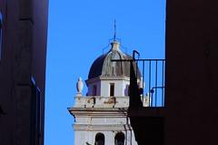 711 - Bastia dans la Citadelle, la vue depuis la Terrasse du Bar de la Citadelle, place du Donjon, le clocher de l'église Sainte-Croix (paspog) Tags: bastia citadelle citadel corse corsica france mai may 2018 églisesaintecroix clocher belltower église kirche church
