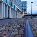 PWC-Gebäude - aus Norden von unten thumbnail