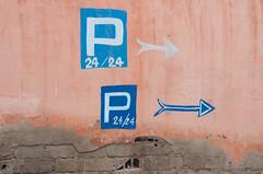 give me direction (M00k) Tags: marocco marrakech medina pink wall p arrow