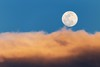 Cloudy Moonrise ([ raymond ]) Tags: landscape newmexico southwest whitesands whitesandsnationalmonument moon moonrise fullmoon clouds cloudy
