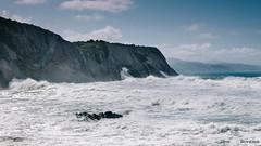 Algorri (jdelrivero) Tags: agua mar geologia costa rocas guipuzkoa olas zumaia elementos playa geology beach elements sea zumaya euskadi españa es