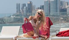 Lebanese Singer Myriam Klink (Paul Saad) Tags: myriamklink singer lebanon beirut beiruting portrait faces beach sea nikon blondie blonde michealkors