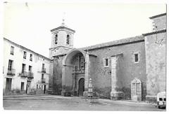 Landete (Cuenca) : Plaza de la Iglesia (Centro de Estudios de Castilla-La Mancha (UCLM)) Tags: landetecuenca fuentes fountains iglesias churchs tarjetaspostales postcards