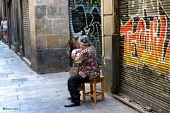 Edats (rossendgricasas) Tags: people street streetphotography streetart barcelona cat catalonia photo photography photoshop nikon tamron barrigòtic