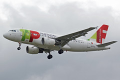 TAP Air Portugal Airbus A319-112 CS-TTR (Paul's Aircraft and Transport Images) Tags: tap air portugal airbus a319 112 london heathrow lhr myrtle avenue
