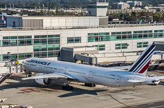 air france flight 82 from paris arriving at the gate (pbo31) Tags: bayarea california nikon d810 color july 2018 summer boury pbo31 sanfranciscointernational sfo millbrae sanmateocounty airport terminal plane boeing airline aviation travel flight over airfrance 777 gate arrival paris 6