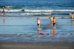 Kids In The Ocean (Joe Shlabotnik) Tags: 2018 july2018 dylans higginsbeach maine gabriella carolina everett ocean beach afsdxvrzoomnikkor18105mmf3556ged