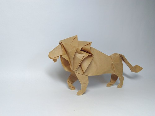 Lion by Hideo Komatsu