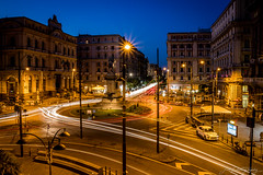 Piazza Bovio (janmalteb) Tags: italien italy napoli neapel naples lights kichter nacht night long exposure langzeitbelichtung strase street autos cars urban canon eos 77d tamron 18200mm