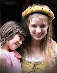 6637 PhotVeronaPort Juliet and daughter 2018 S 2749 Verona 20180628_069 s djetetom (Morton1905) Tags: photveronaport juliet daughter 2018 s 2749 verona 20180628069 djetetom 6637