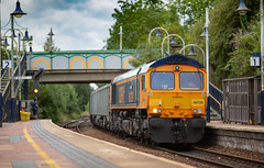"""GBRf Class 66/7 no 66729 """"Derby County"""" at Kirkby-in-Ashfield Station on 18-07-2018 (kevaruka) Tags: kirkby kirkbyinashfield nottinghamshire summer 2018 july britishrail networkrail colour colours yellow blue green composition thephotographyblog frontpage flickr class66 66729 gbrf freighttrain locomotive outdoors robinhoodline canon canoneos5dmk3 canon5dmk3 canonef135f2l prime 5d3 5diii 5d 5dmk3 shed england telephototrains magicprime"""