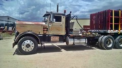 Old School July 16th ,2018  V1 (THE RANGE PRODUCTIONS) Tags: kenwoth flatbed nm newmexico southwestus smalltownsouthwest sierracountynm small town truck tractortrailer 18wheeler bigrig trailer