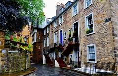 Ramsay Garden, Old Town, Edinburgh (joanneclifford) Tags: scotland oldtown edinburgh ramsaygarden