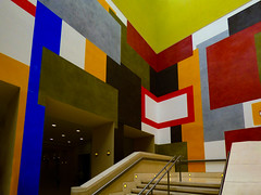 David Tremlett's The Manton staircase (Steve Taylor (Photography)) Tags: davidtremlett themantonstaircase art abstract mural artgallery colourful contrast uk gb england greatbritain unitedkingdom london shape stairs steps staircase tatebritain tate crayon