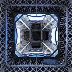 Tour Eiffel (erichudson78) Tags: france iledefrance paris7ème toureiffel architecture canonef24105mmf4lisusm canoneos6d grandangle wideangle carré square 7dwf