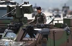 un VHM (véhicule haute mobilité du 2e Régiment étranger de génie. Cette engin est aussi appellé BvS 10 hagglunds. (Model-Miniature / Military-Photo-Report) Tags: un vhm véhicule haute mobilité du 2e régiment étranger de génie cette engin est aussi appellé bvs 10 hagglunds 14 juillet 2018 défilé militaire parade military french army bastille day