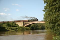 34027 Taw Valley crossing Victoria Bridge (andrewfarmer1) Tags: railway steam steamengine steamrailway victoriabridge riversevern train trains severnvalleyrailway svr summer