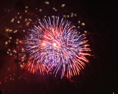 Macys Fireworks NYC 2018-62 (Diacritical) Tags: nikond850 pattern 70200mmf28 16secatf80 july42018 84503pm f80 210mm brooklyn macys4thofjuly fireworks
